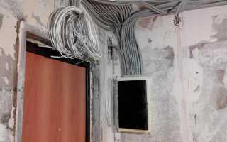 Разводка электрики по квартире по потолку: скрытая и открытая, в гофре и без