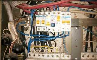 Электрические пробки: почему выбивает при включении света, порядок замены на автоматы