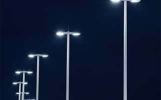 Светодиодные уличные фонари освещения на столбах: особенности и разновидности
